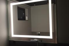 mirror09